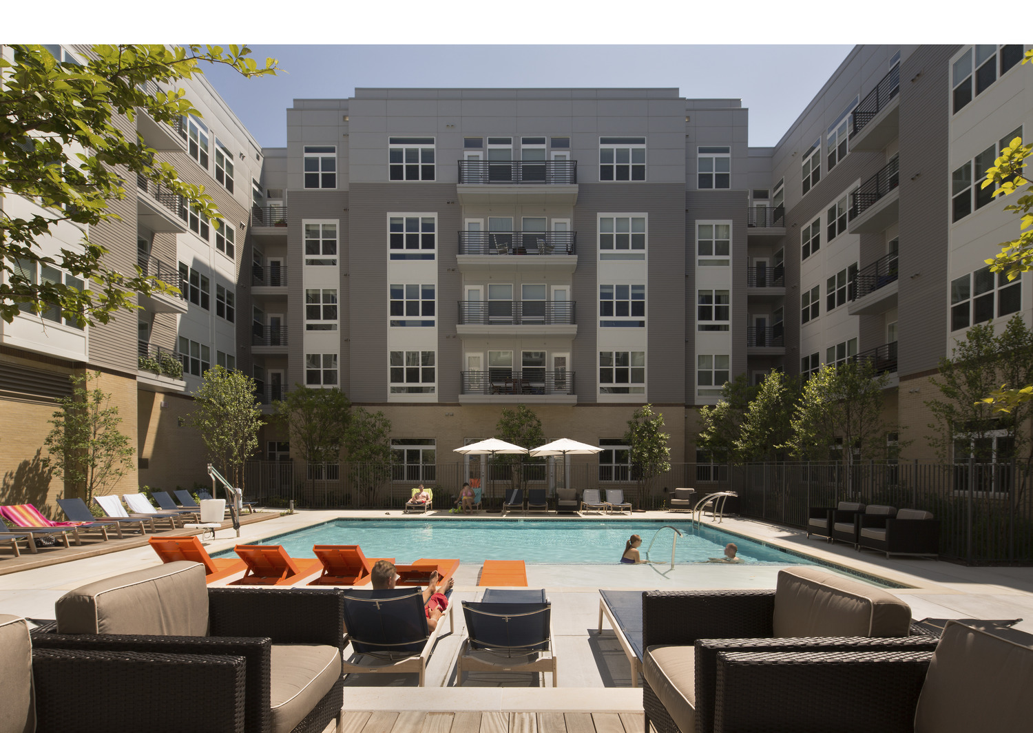 CBG builds The Metropolitan Downtown Columbia, a 380-Unit Mixed-Use Development with Parking Garage in Columbia, MD - Image #9