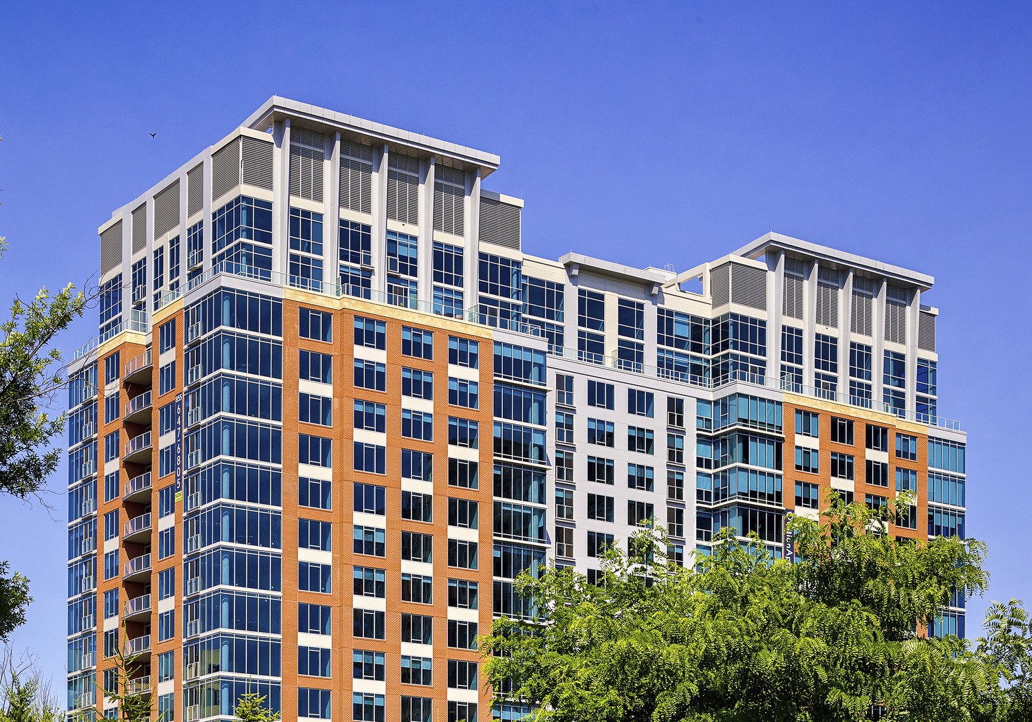 CBG builds Ovation at Park Crest, a 300-Unit, 19-Story LEED® Gold Luxury Apartment Community in McLean, VA - Image #2