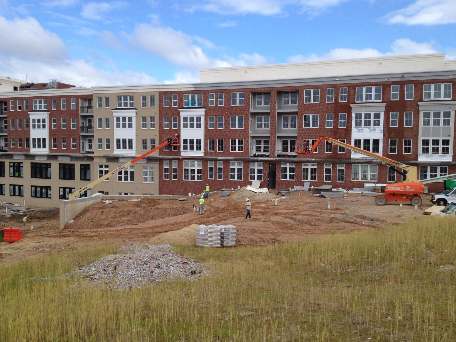 CBG builds Jefferson Square at Washington Hill, a 304-Unit Mixed-Use Apartment Community with Cast-in-Place Parking Garage in Baltimore, MD - Image #10