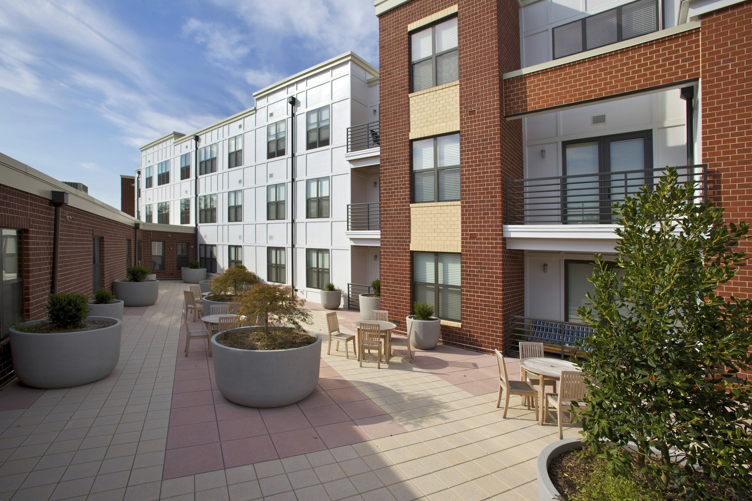 CBG builds Del Ray Central, a 141 Luxury Apartments with Retail Over Two-Level Garage in Alexandria, VA - Image #3