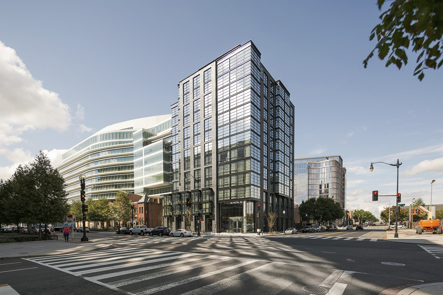 CBG builds Marriott AC, a 13-Story, 234-Room Luxury Hotel with Retail and Amenities in Washington, DC