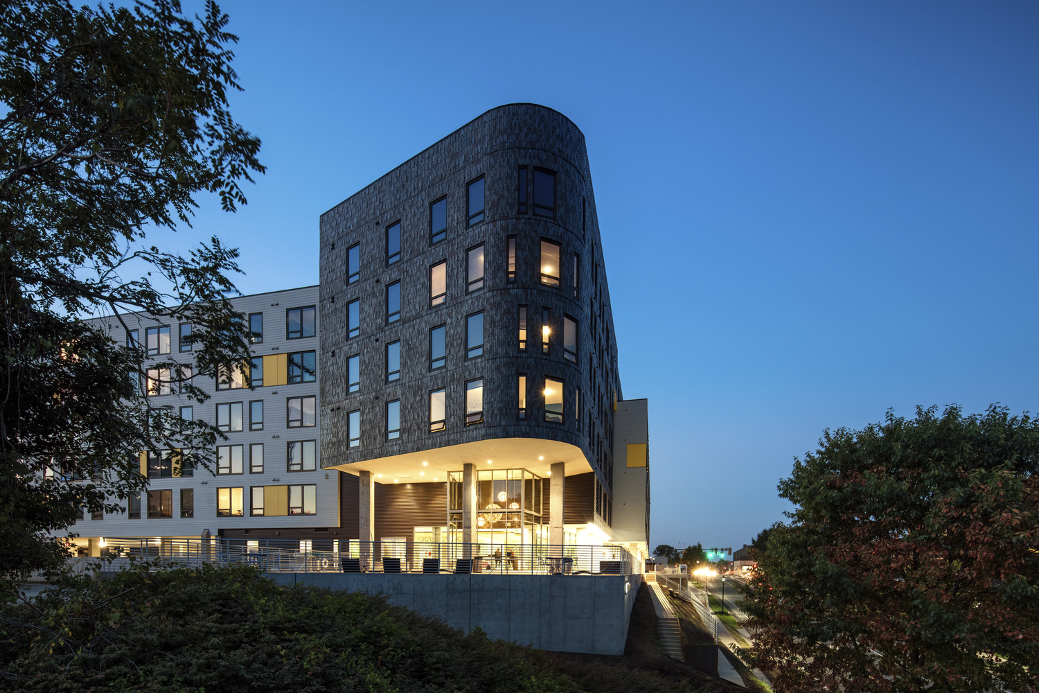 CBG builds Lark on Main, a 162-Unit, 342-Bed Student Housing Community with Retail and Underground Garage in Charlottesville, VA - Image #1