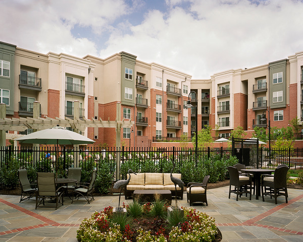 CBG builds Camden College Park, a 508-Unit Luxury Apartment Community with Precast Garage in College Park, MD - Image #2