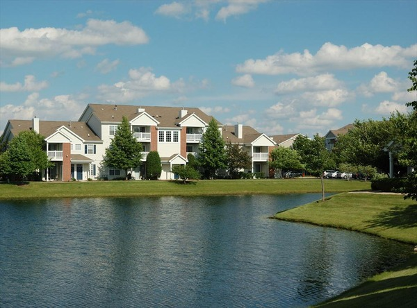 CBG builds Southwest Crossing, a 440 Class A Apartments in Naperville, IL - Image #1