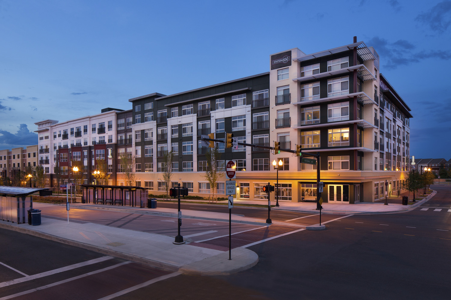 CBG builds Station 650, a 183-Unit Mixed-Use Apartment Building with Below-Grade Parking in Alexandria, VA - Image #2