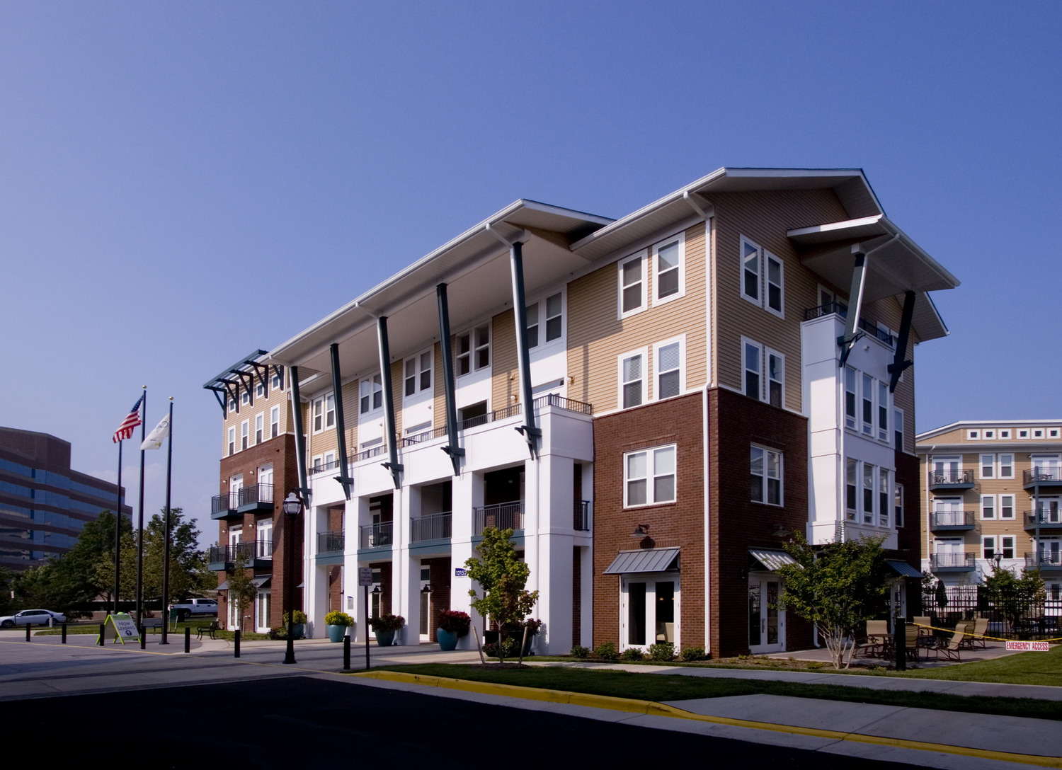 CBG builds Camden Monument Place, a 293 Class-A Homes with 75 Upgraded Homes in Fairfax, VA