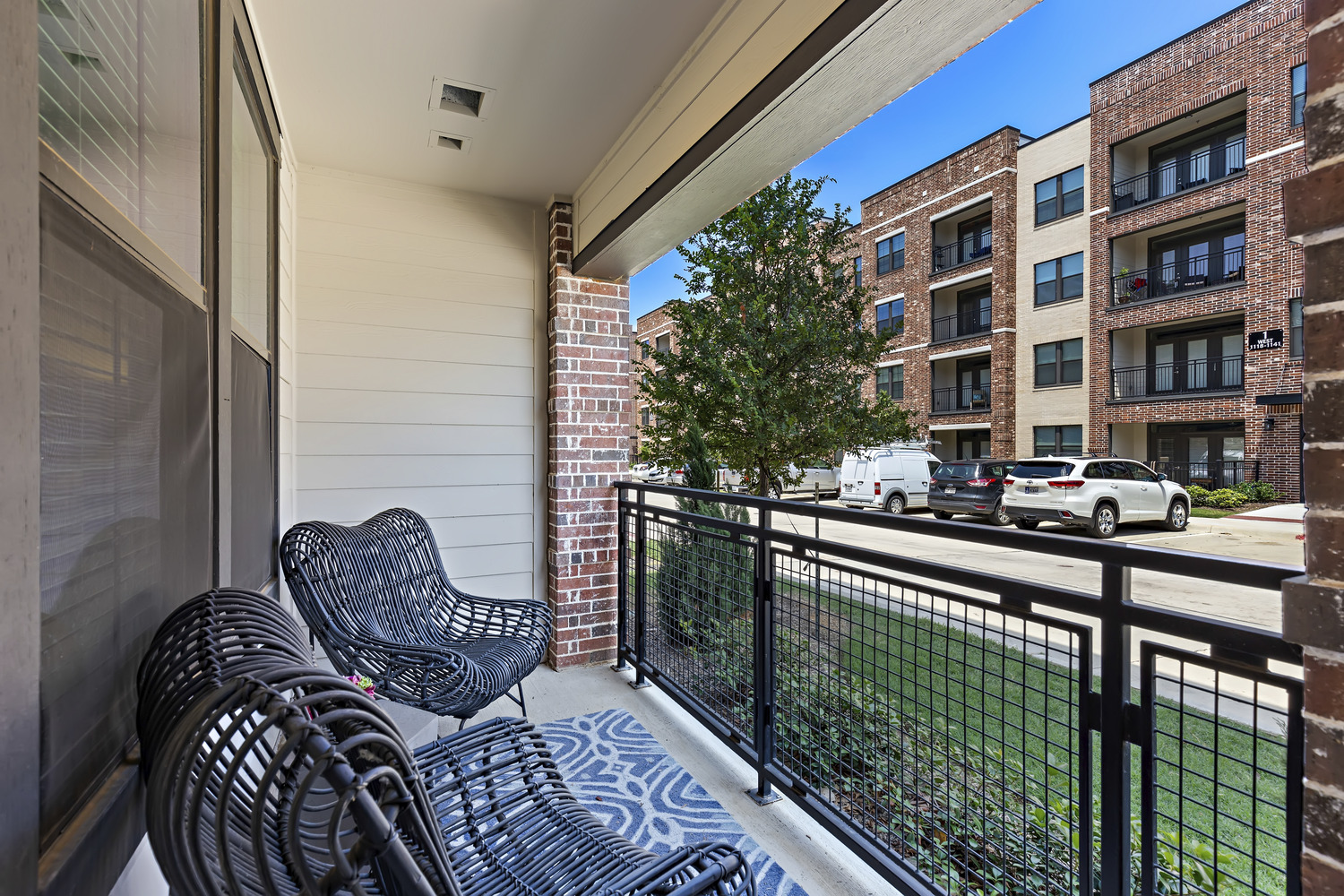 CBG builds Trinity Union, a Nine-Building Apartment Community with Amenities and Precast Parking in Euless, TX - Image #12