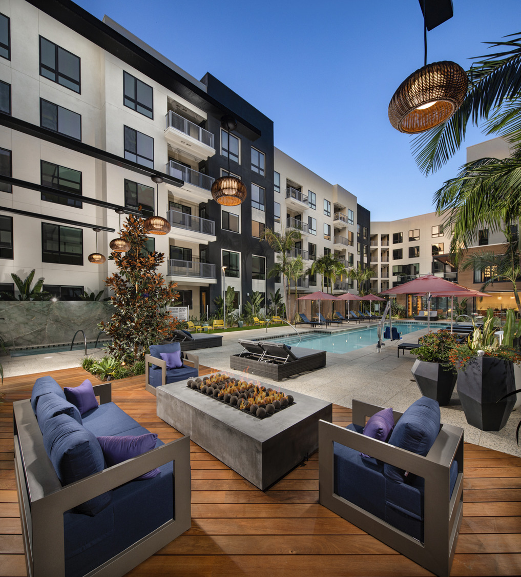 CBG builds Cameo, a 262-Unit Luxury Community with Rooftop and Amenities in Orange, CA - Image #6