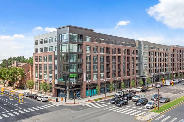 CBG builds 672 Flats, a 173-Unit LEED® Silver Mixed-Use Community with Below-Grade Parking in Arlington, VA - Image #1
