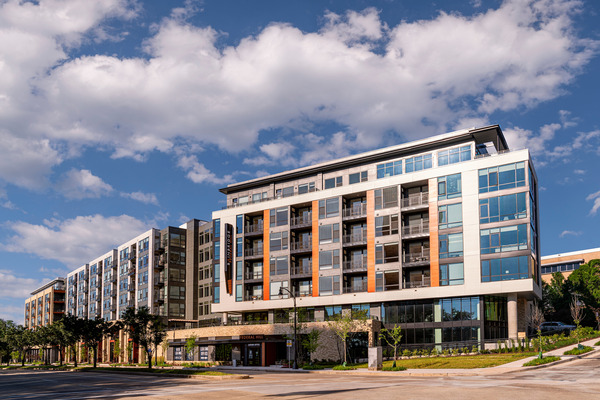CBG builds Bainbridge Federal Hill, a LEED® Gold 228-Unit Luxury Apartment Community with Podium Parking in Baltimore, MD - Image #1