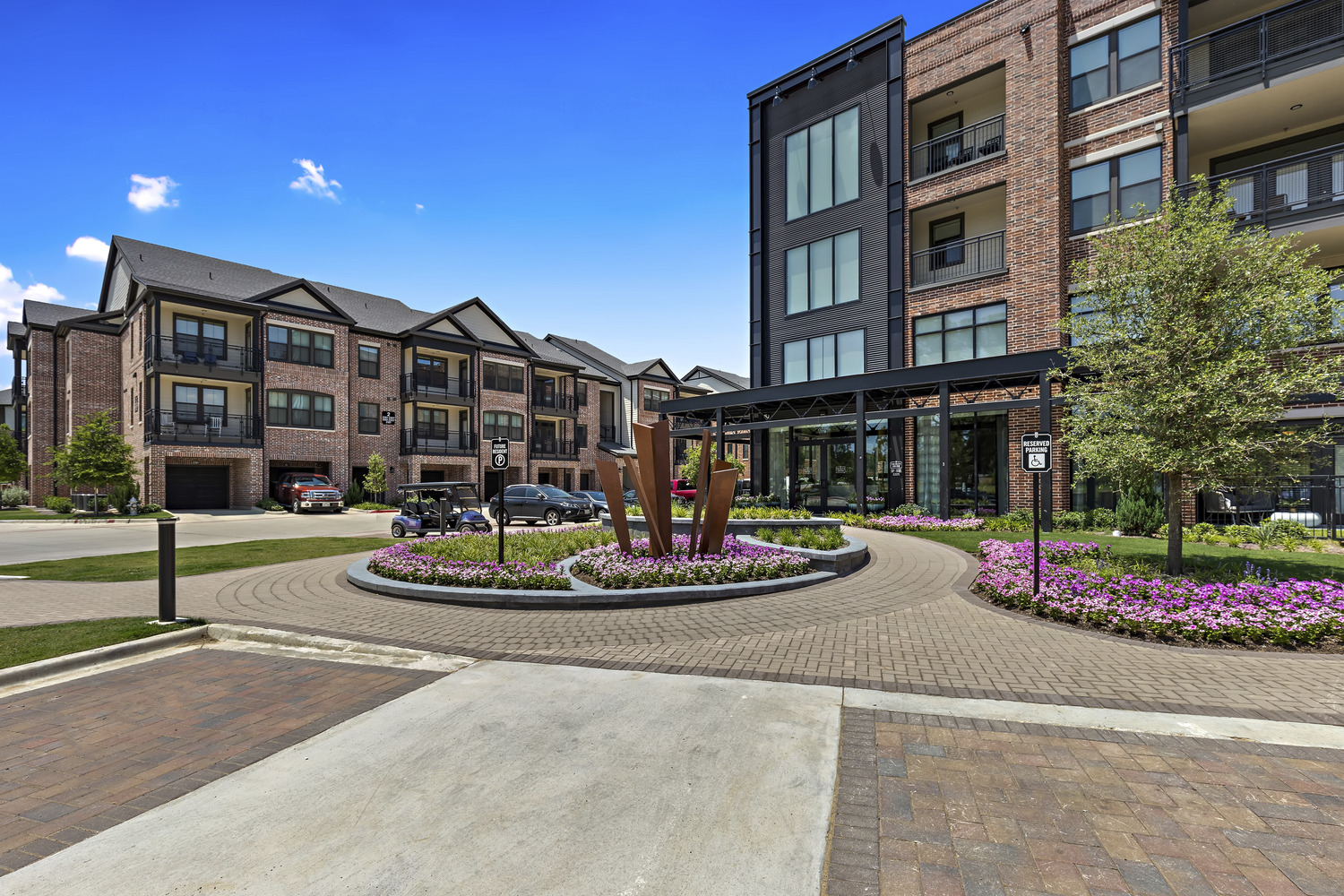 CBG builds Trinity Union, a Nine-Building Apartment Community with Amenities and Precast Parking in Euless, TX - Image #9