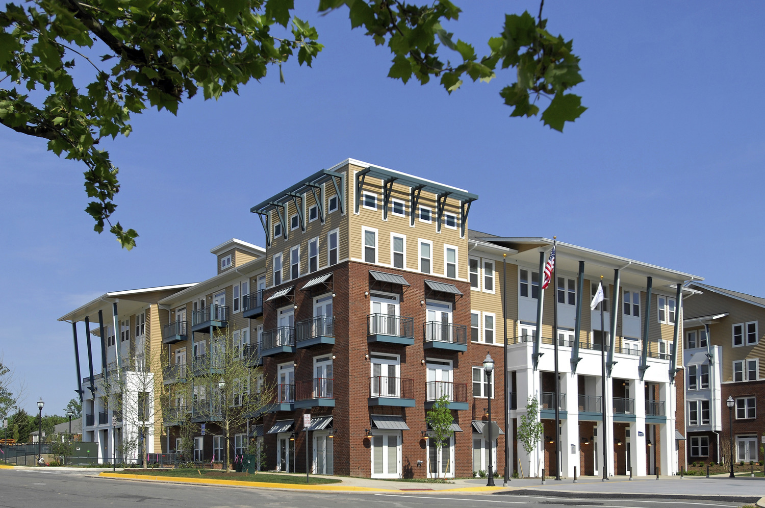 CBG builds Camden Monument Place, a 293 Class-A Homes with 75 Upgraded Homes in Fairfax, VA - Image #8