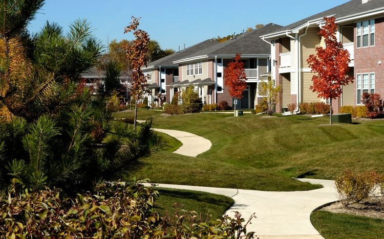 CBG builds Butterfield Oaks, a 336 Class A Apartments in Aurora, IL - Image #1