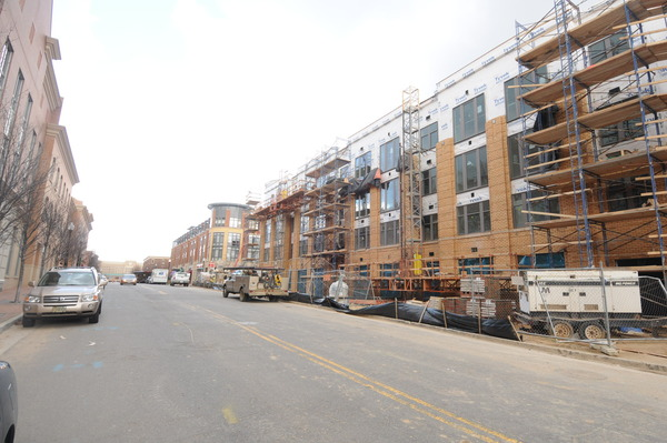 CBG builds Post Carlyle Square, a 354 Luxury Apartments Across Two Buildings Over Below-Grade Garage in Alexandria, VA - Image #5