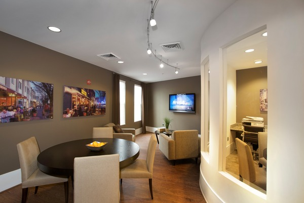CBG builds Del Ray Central, a 141 Luxury Apartments with Retail Over Two-Level Garage in Alexandria, VA - Image #4