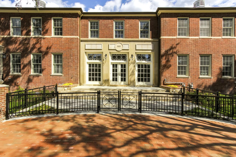 CBG builds Brightleaf & Cooper, a 16 Historically-Restored Luxury LEED® Townhomes in Alexandria, VA