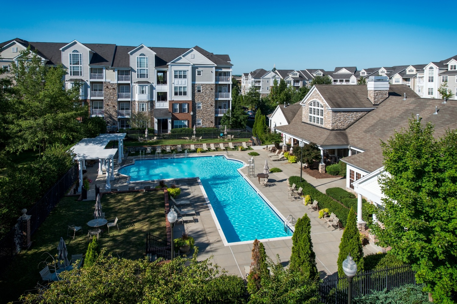 CBG builds Remington at Dulles Town Center, a 406 Market-Rate Apartments in Sterling, VA