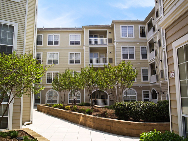 CBG builds Palazzo at Park Center, a 400 Class A Apartments in Alexandria, VA - Image #3