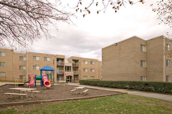 CBG builds Columbia Heights, a 406-Unit Tenant-In-Place Rehabilitation in Washington, DC - Image #5