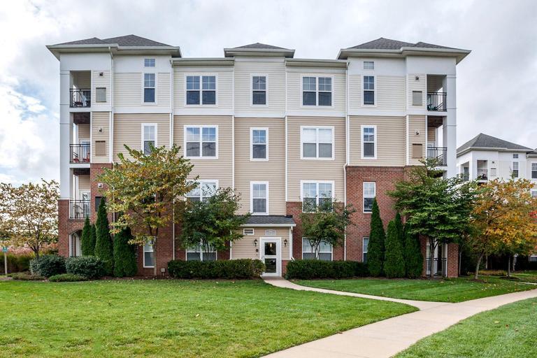 CBG builds Chantilly Park Condominiums, a 206-Unit Luxury Condominium Community in Chantilly, VA