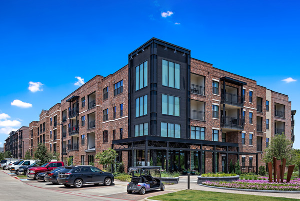CBG builds Trinity Union, a Nine-Building Apartment Community with Amenities and Precast Parking in Euless, TX - Image #1