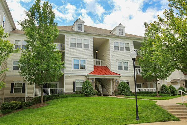 CBG builds The Park at Kingsview Village, a 326 Market-Rate Apartments in Germantown, MD - Image #1
