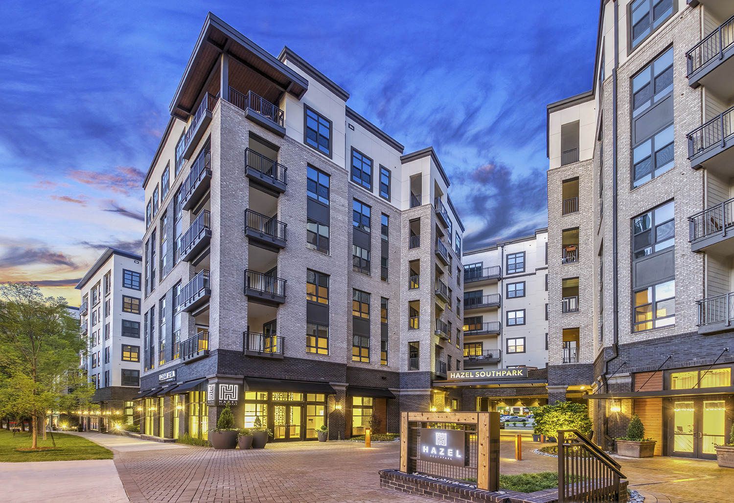 CBG builds Hazel SouthPark, a 203-Unit Luxury Community with Five-Story Parking Garage in Charlotte, NC