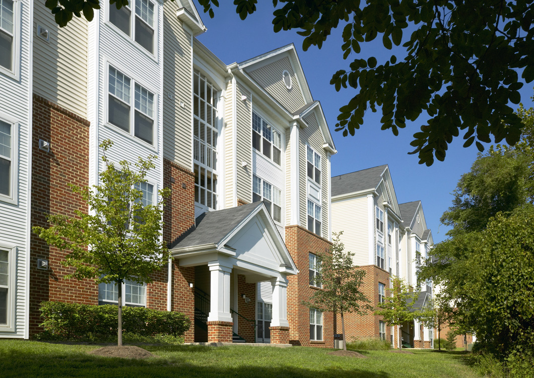 CBG builds Springfield Crossing, a 356 Market-Rate Garden-Style and High-Rise Apartments in Springfield, VA