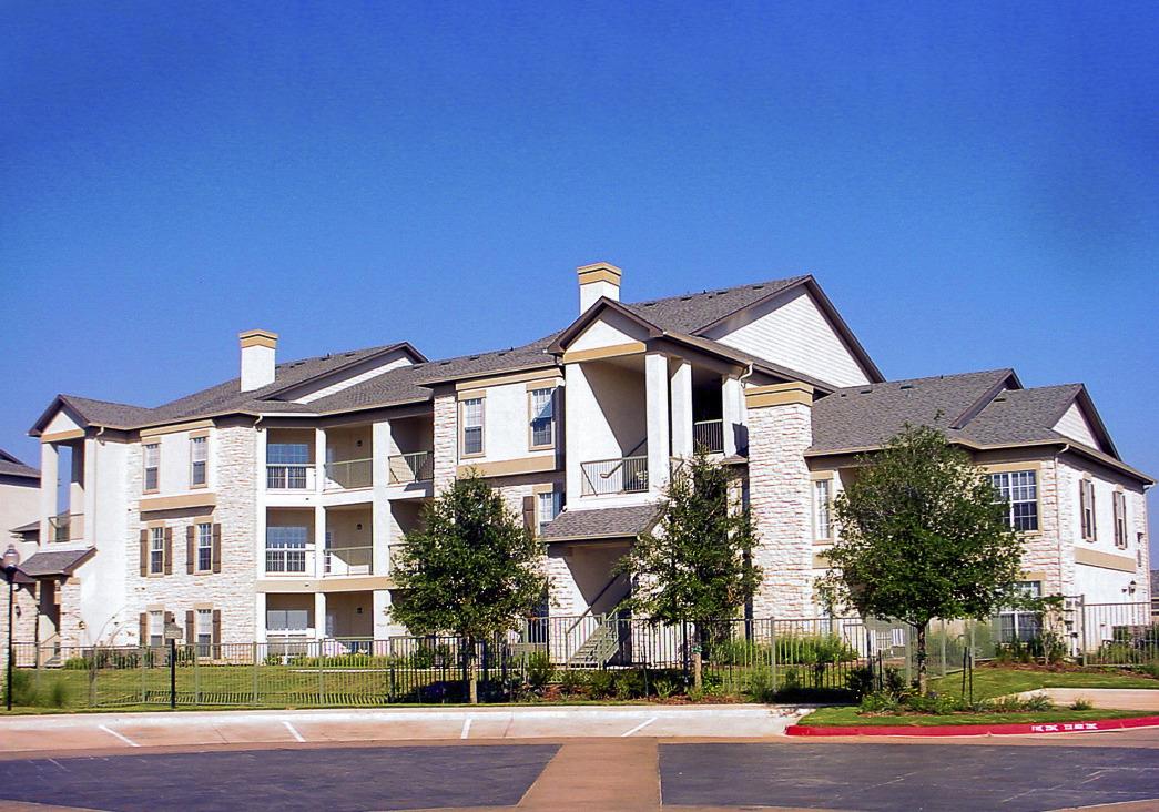 CBG builds Riverton at Davis Springs, a 312 Class A Apartments in Austin, TX