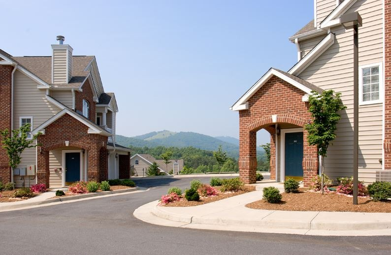 """CBG builds Carriage Hill Phase II, a 140-Unit Class A """"Big House"""" Apartment Community in Charlottesville, VA - Image #8"""