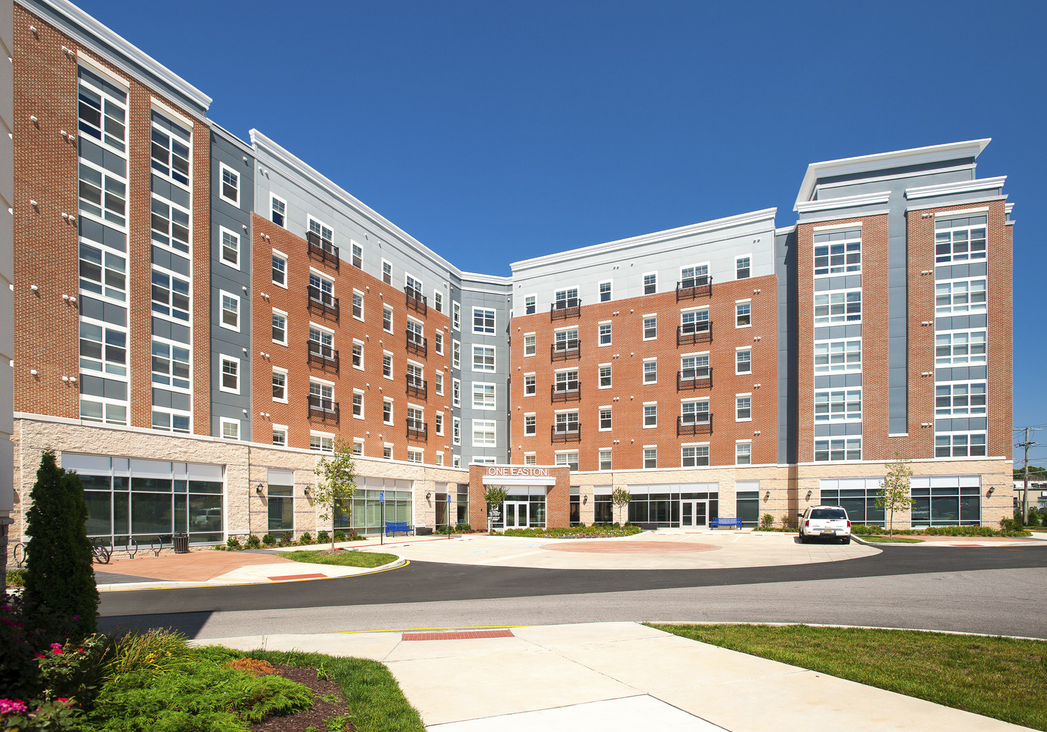 CBG builds One Easton, a 440-Bed Student Housing Community with Precast Parking Garage and Amenity Areas in Newark, DE
