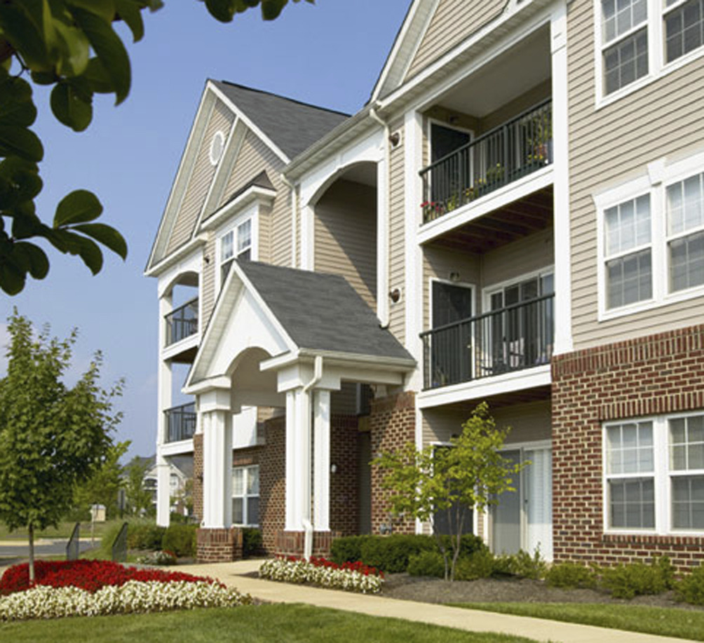 CBG builds Chantilly Crossing, a 206 Market-Rate Condo Units in Chantilly, VA - Image #1