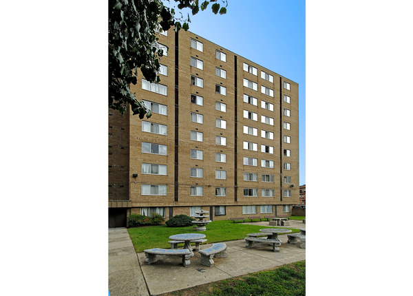 CBG builds Columbia Heights, a 406-Unit Tenant-In-Place Rehabilitation in Washington, DC - Image #3