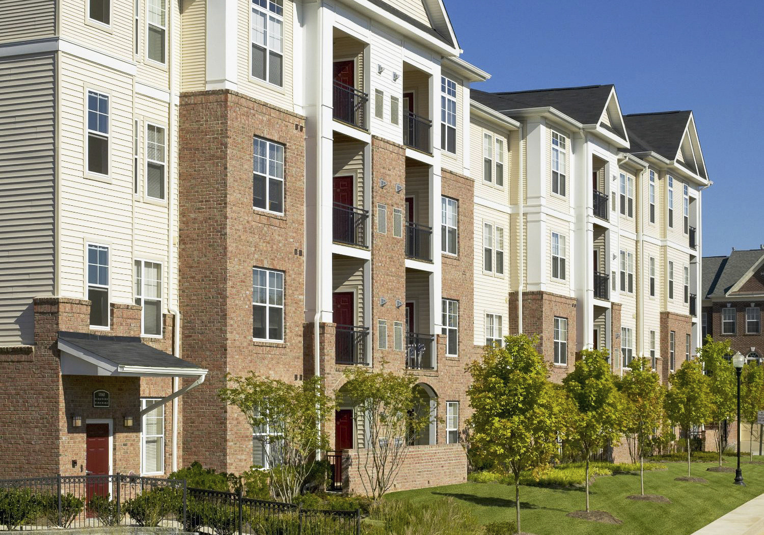 CBG builds Halstead Dulles, a 244 Market-Rate Apartments in Herndon, VA