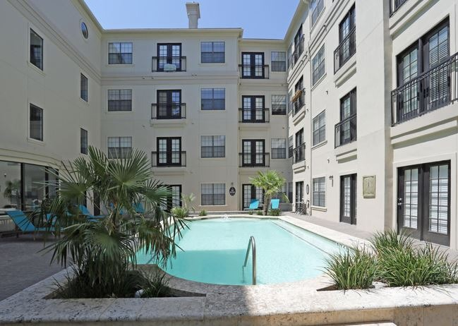 CBG builds Vines at Turtle Creek, a 98 Luxury Apartments Over Structured Parking in Dallas, TX