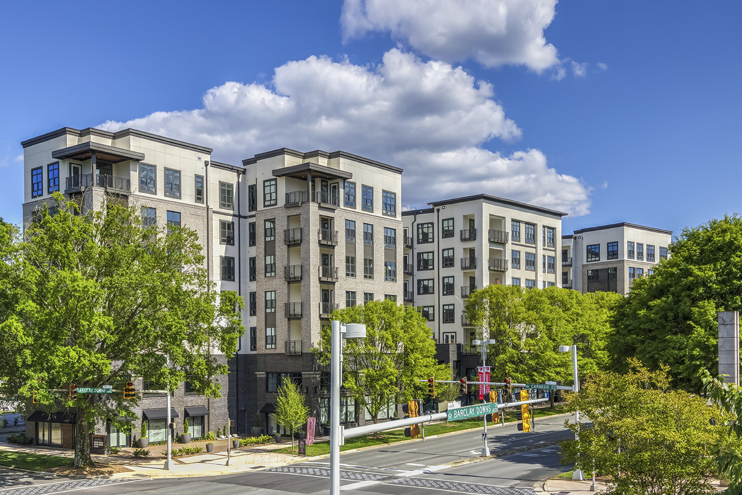 CBG builds Hazel SouthPark, a 203-Unit Luxury Community with Five-Story Parking Garage in Charlotte, NC - Image #5
