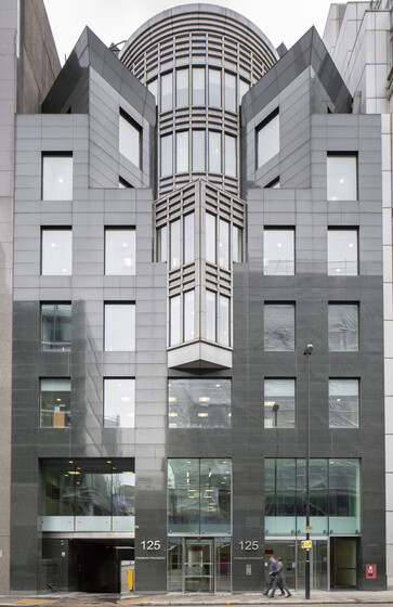 Veritas House, 125 Finsbury Pavement - Levels 4 & 5 slider image