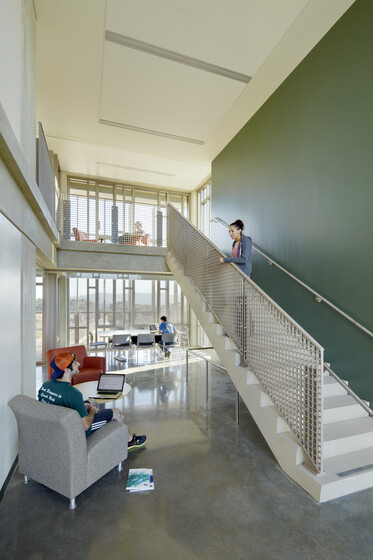 Keeling Apartments in Revelle College, UC San Diego slider image