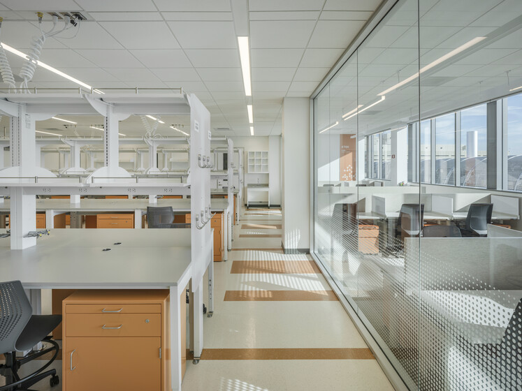 Stanford University Biomedical Innovation Building slider image