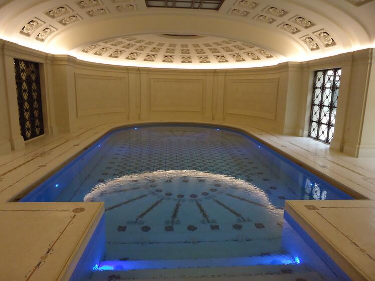 Hanover Lodge slider image