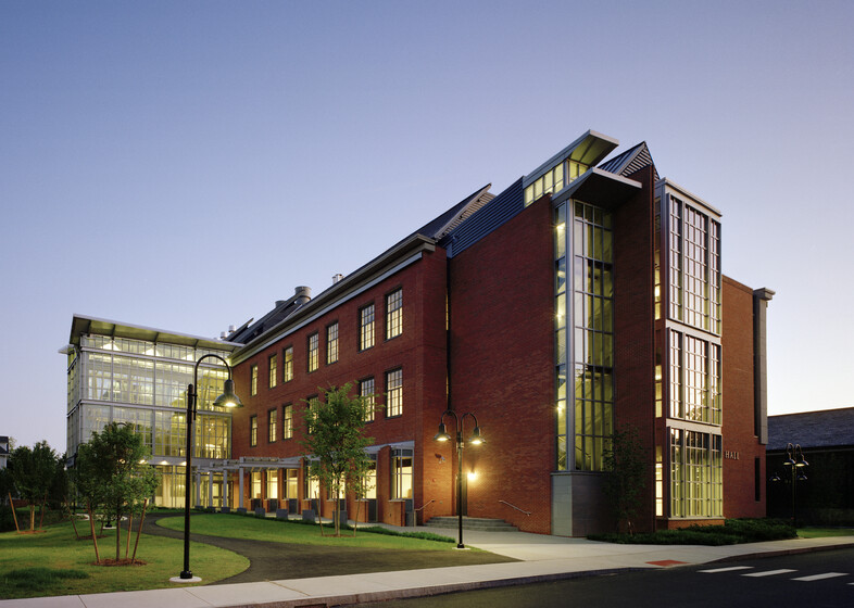 Ford Hall Engineering Building, Smith College slider image