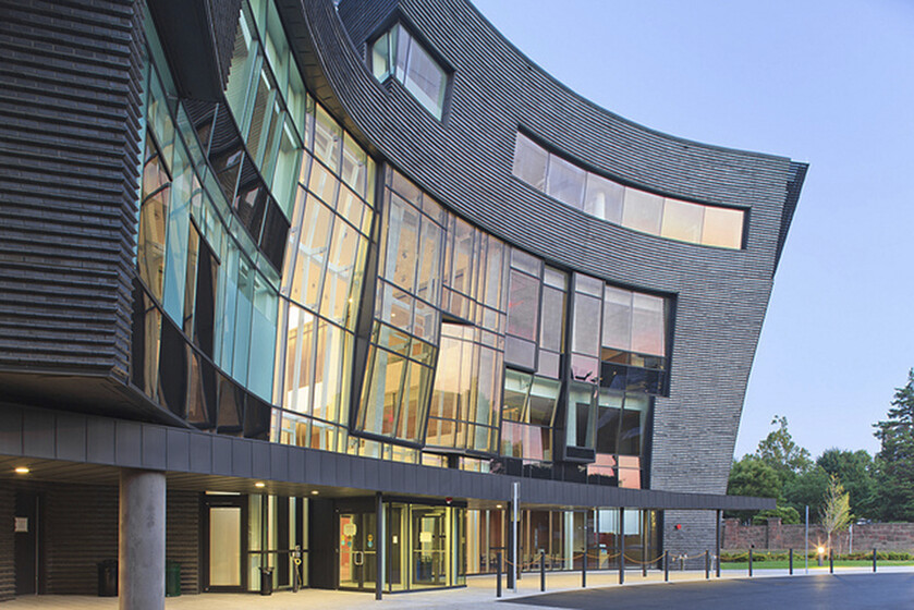 Health Services Center, Yale University slider image