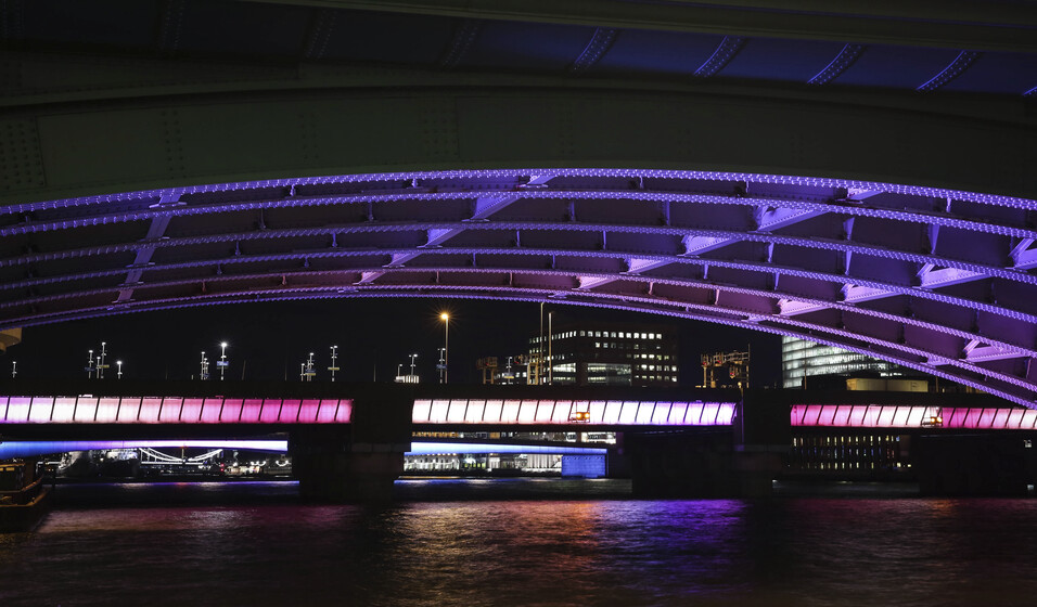 Illuminated River slider image