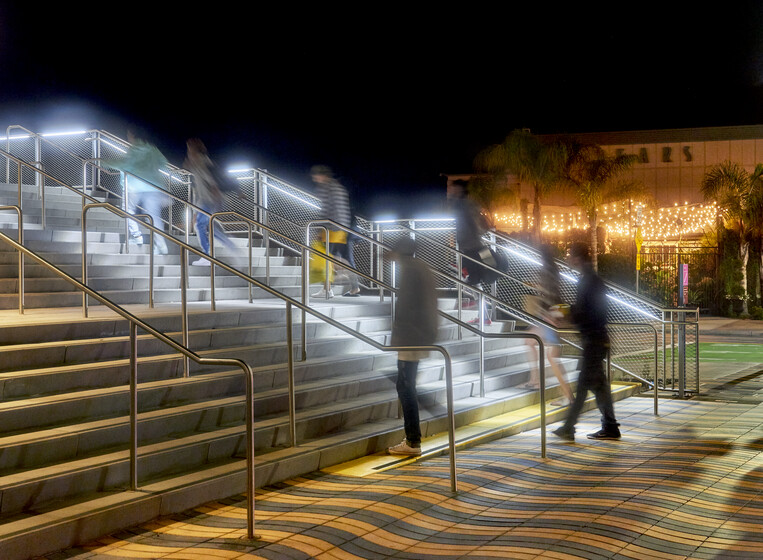 Santa Monica Esplanade and Plaza slider image