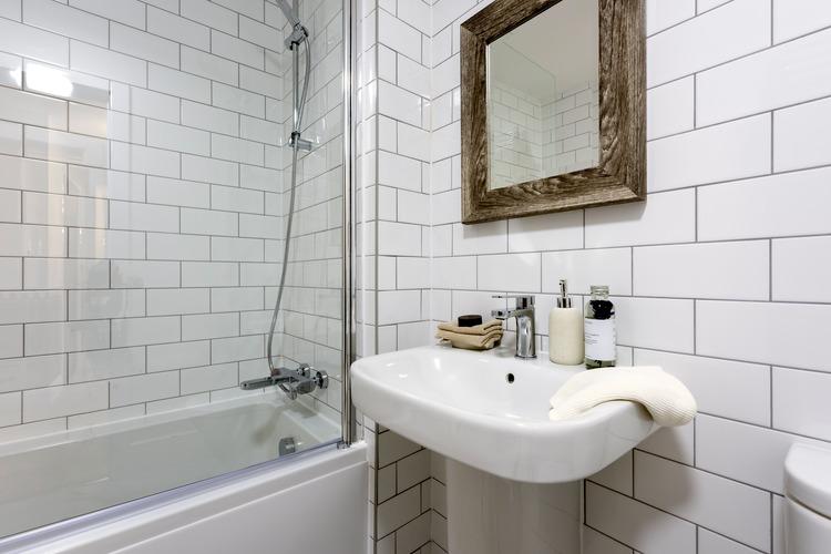 Avant bathroom tiles